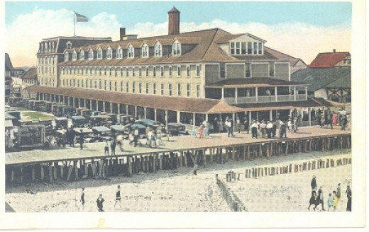 old postcard of The Atlantic Hotel from 1910 before the Great Fire of 1925