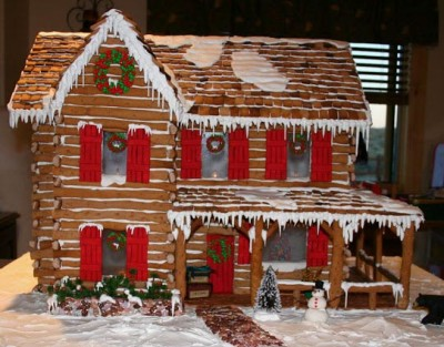 Early Colonial Gingerbread House