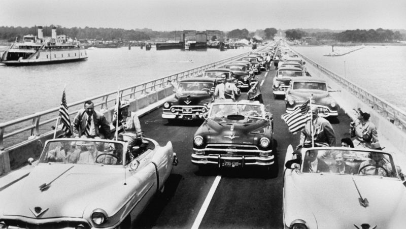 Lead cars on opening day of the Bay Bridge, 1952. Photo from the Associated Press.