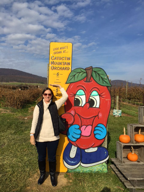diane-caslow-catoctin-mountain-orchard-pumpkin-frederick-county