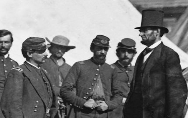 Abraham Lincoln stares knowingly at Gen. McClellan, October 1862. Library of Congress.