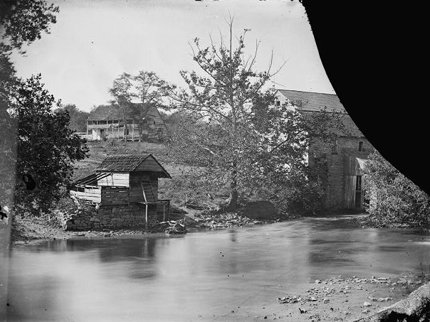 Historic image of Newcomer House, no date. Photo from Library of Congress.