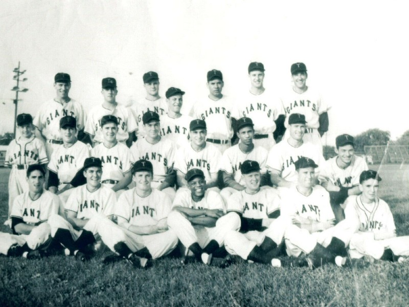 Team photo of the Trenton Giants, including Willie Mays, 1950s.