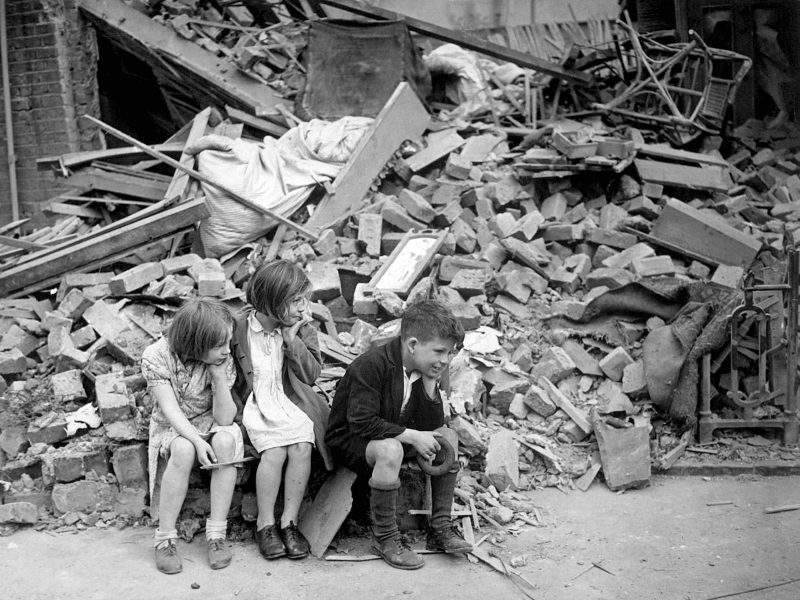 Children of the blitz in London, 1940. Image from BBC.