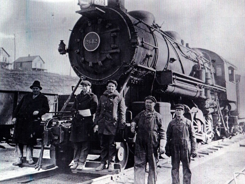 Railroad workers in Brunswick, Maryland, 1920. Photo from Brunswick Heritage Museum.