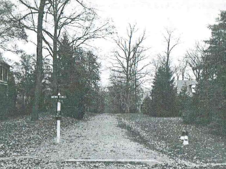 Ca. 1940s image of the Washington Grove street signs.
