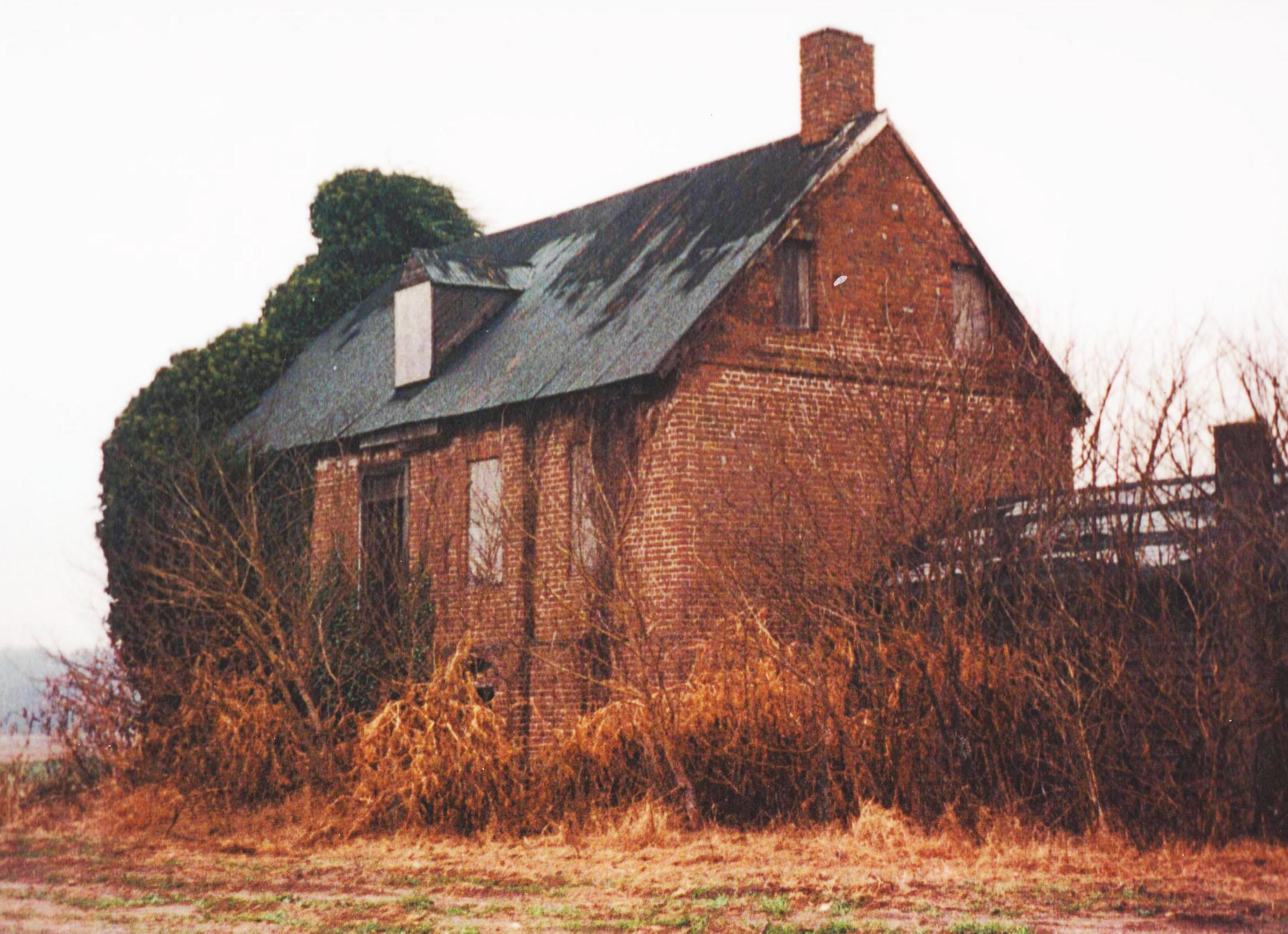 Handsell House Prior to Restoration ca. 2003 | Image Credit: Restore Handsell