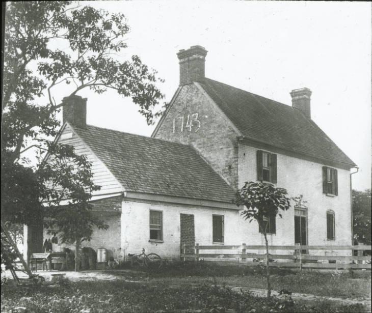 Caulks Field House